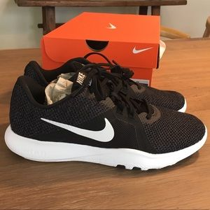 New w/box Nike Flex trainer Women's size 8